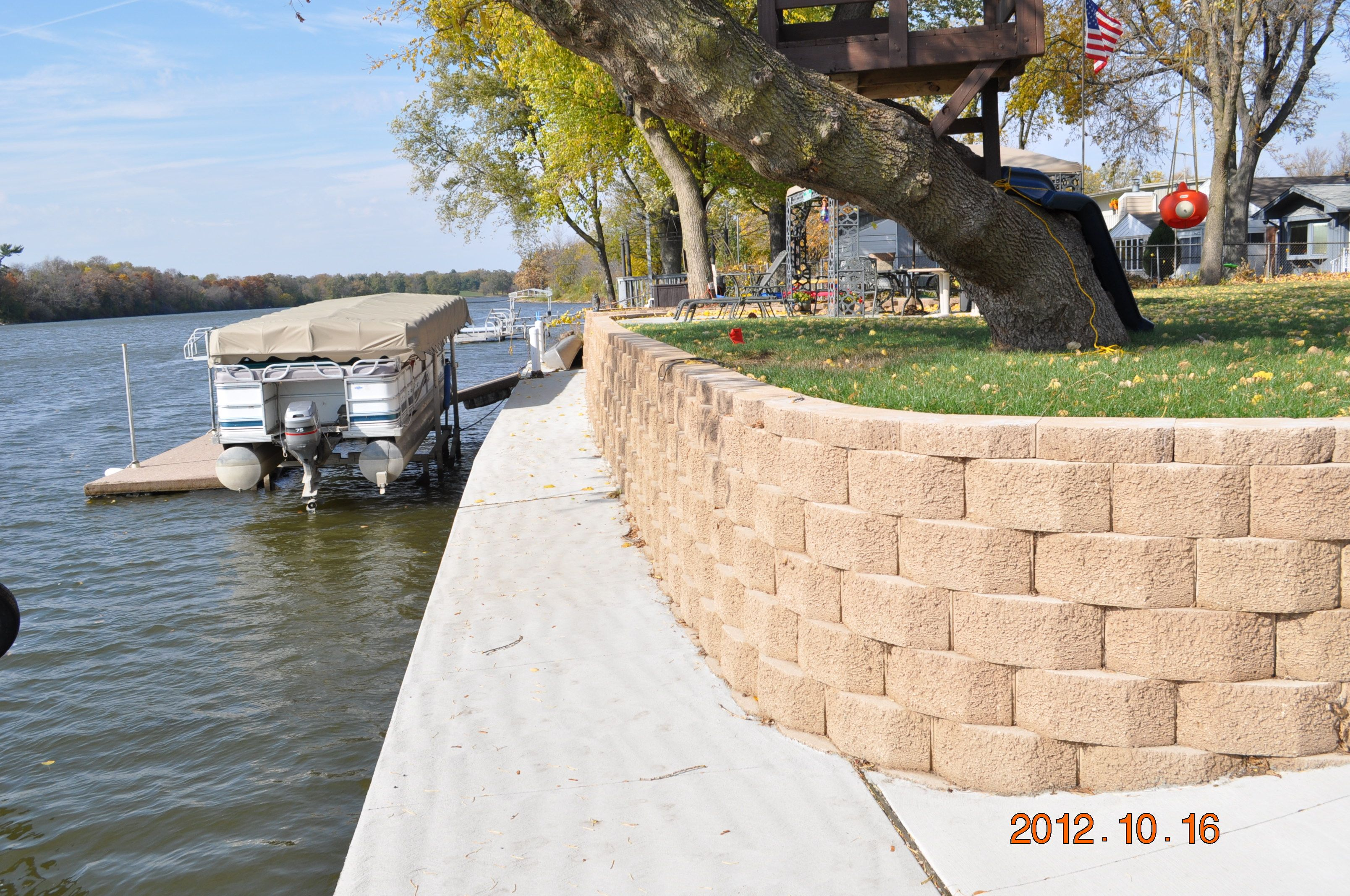Rockford retaining wall built with interlocking pavers.