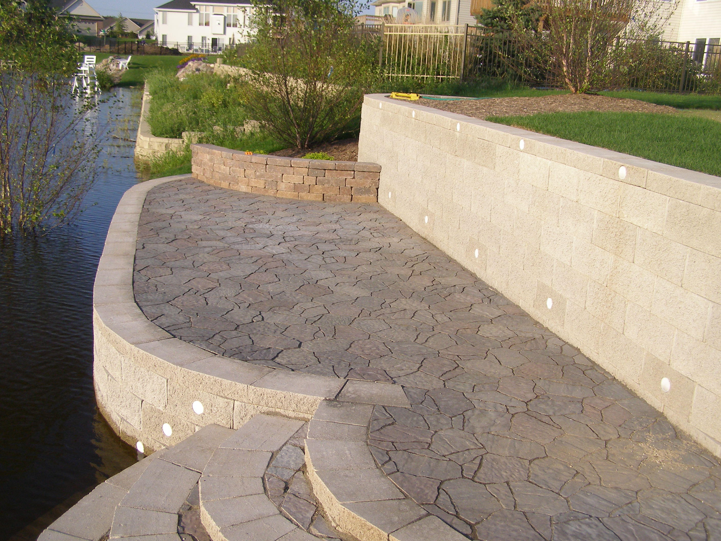 Rockford Retaining Wall Creative Concrete And Landscaping