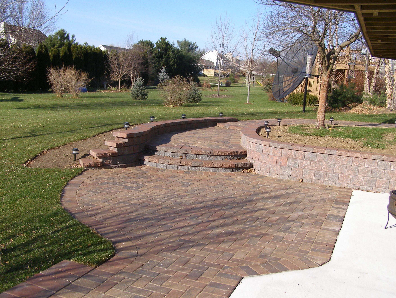 Rockford concrete patio and steps