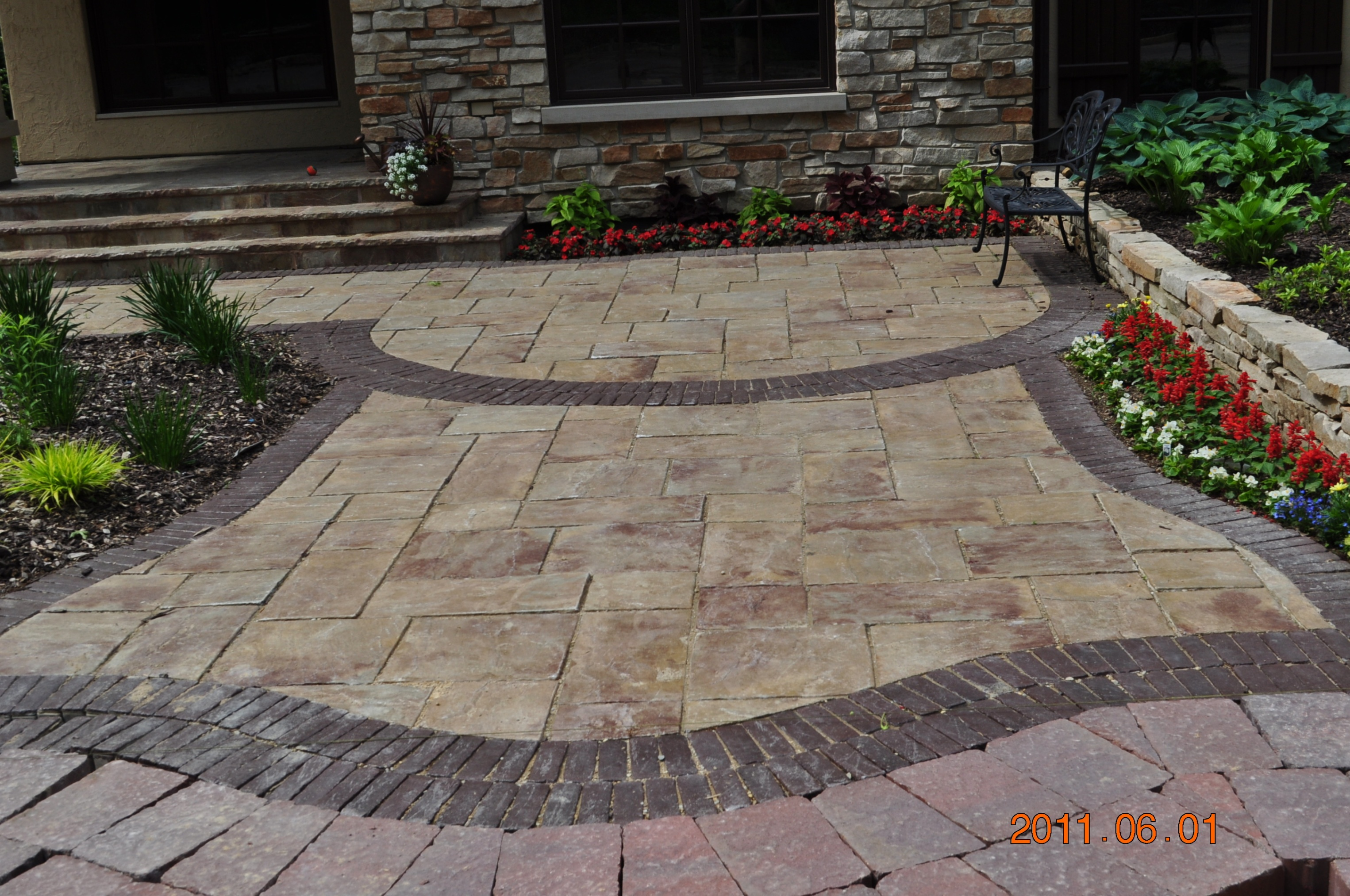 Rockford brick paver landscape features brick paver for Landscaping bricks